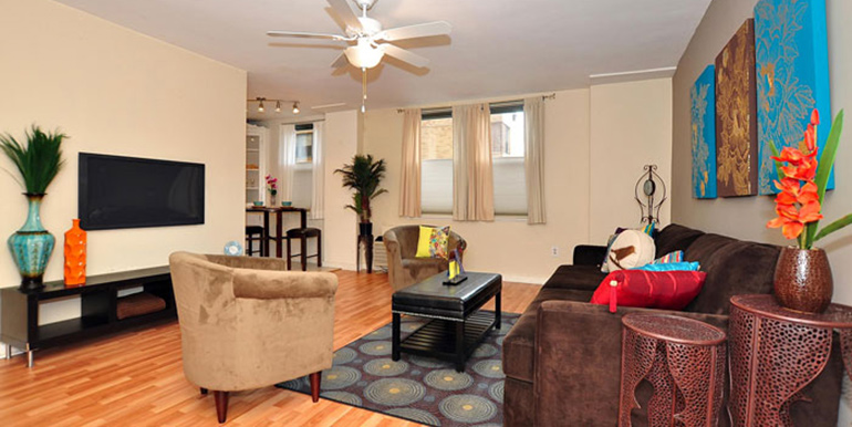 2601 Parkway Living Room