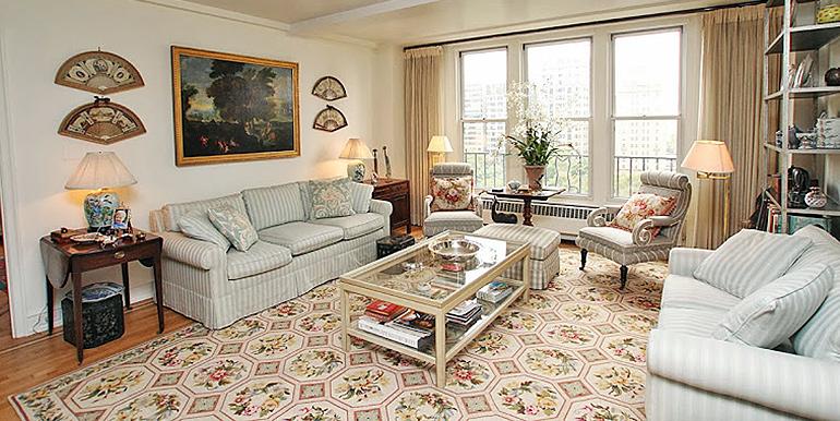 rittenhouse plaza living room