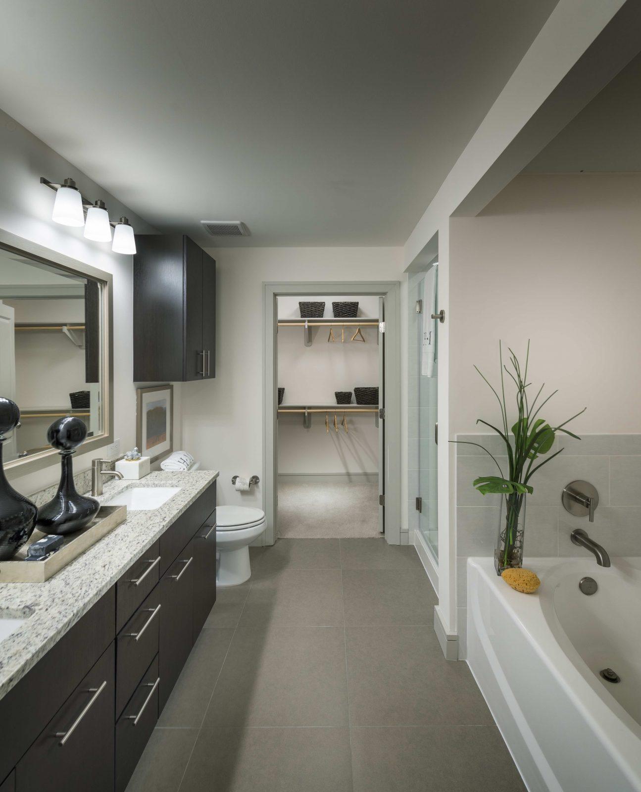 Philadelphia Apartment & Condo